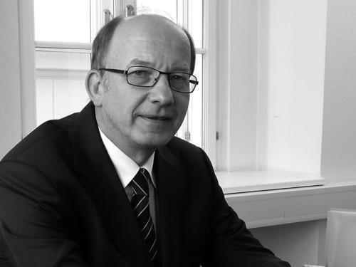 Dr. Peter Kainz